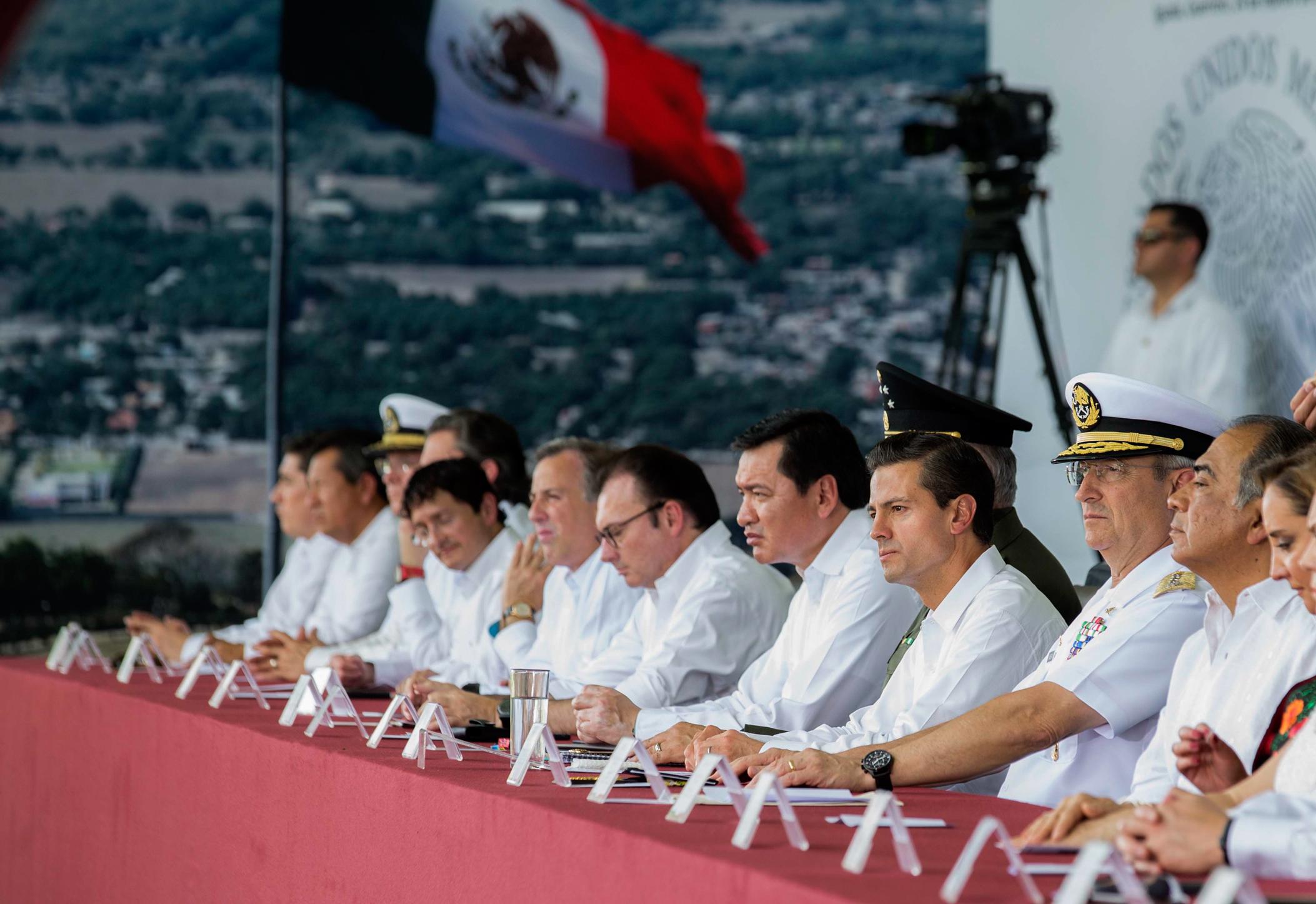 Para los mexicanos y para los guerrerenses, el Himno y la Bandera son la genuina expresión de nuestro nacionalismo, señaló el Gobernador de Guerrero, Héctor Astudillo Flores.