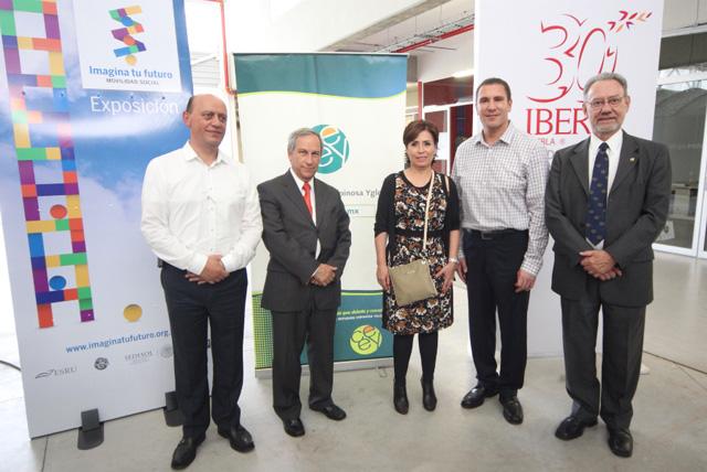 """Recorrió Rosario Robles Berlanga la exposición """"Imagina tu futuro...movilidad social"""", en la Universidad Iberoamericana"""