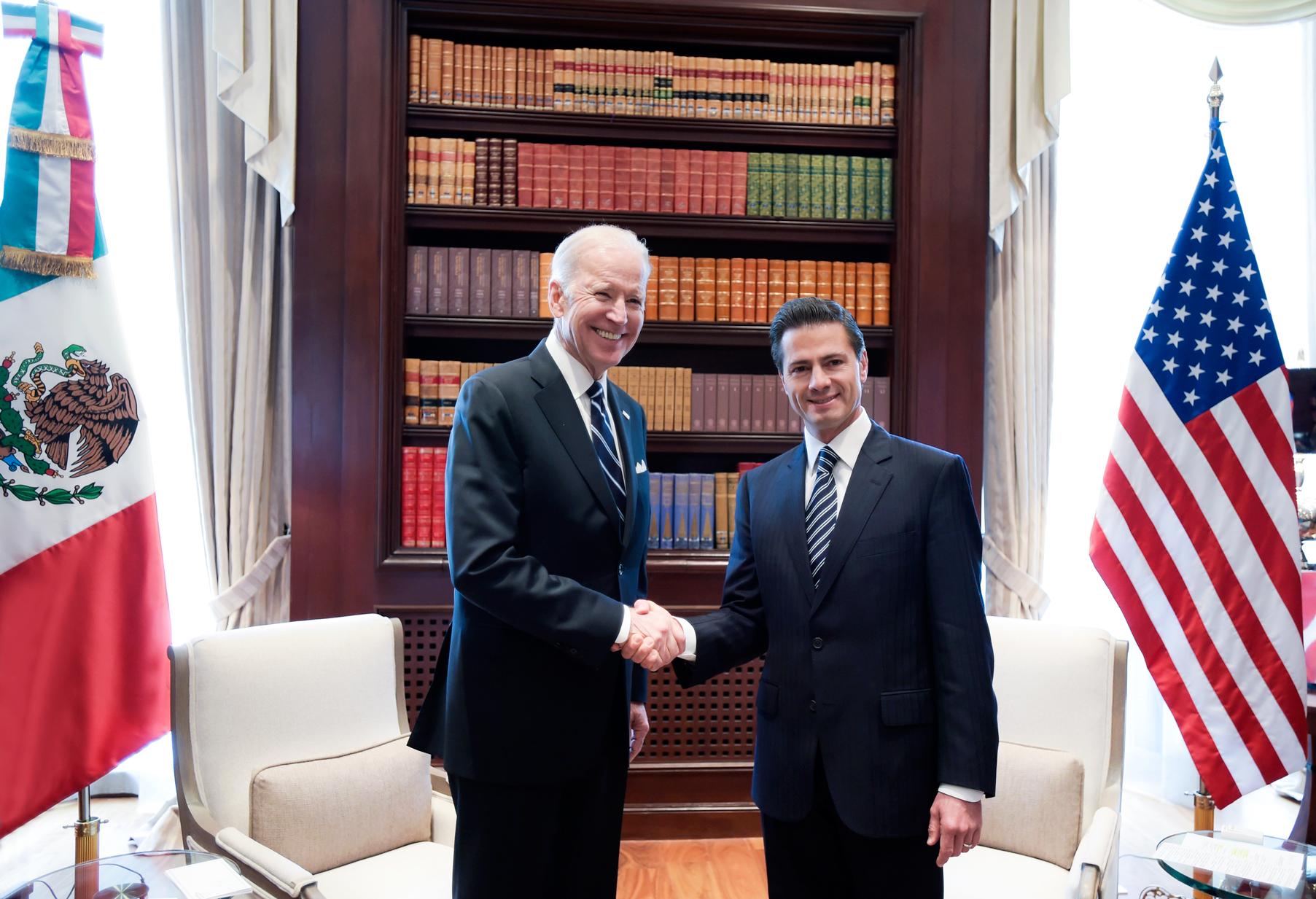 El mandatario mexicano se reunió en la Residencia Oficial de Los Pinos con el Vicepresidente de los Estados Unidos de América, Joseph Biden.