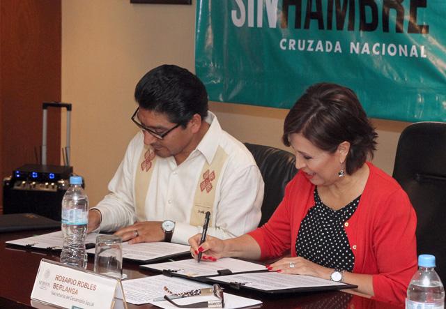 Firman Sedesol e Inali un Convenio de Colaboración General para traducir a lenguas originarias los programas sociales, en el marco de la CNCH