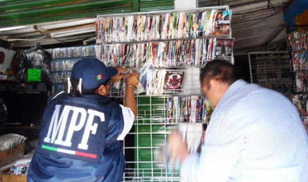 Mediante operativo, PGR Guerrero asegura más de media tonelada de discos apócrifos.