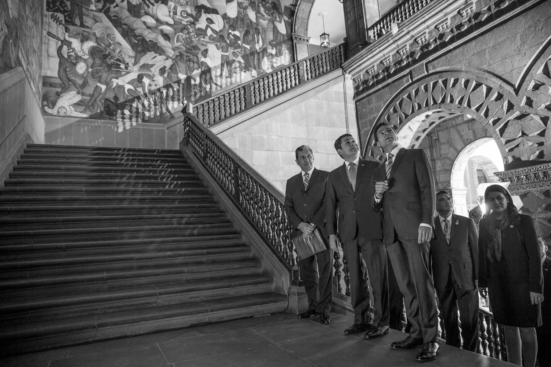 El Mandatario mexicano recibió en el Palacio Nacional al Presidente de Honduras, Juan Orlando Hernández Alvarado, quien realiza una Visita Oficial a México.