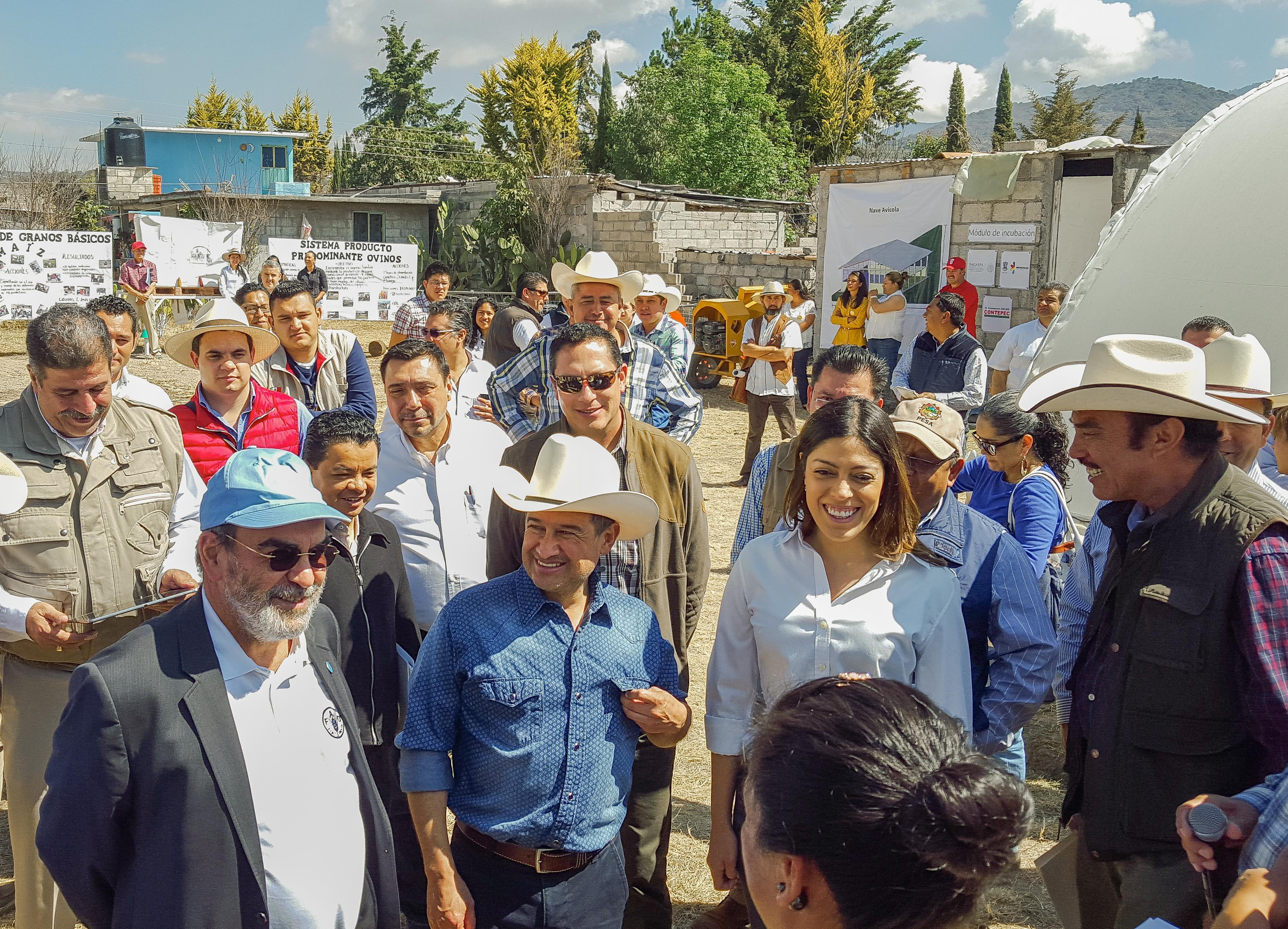 Realizan director general de la FAO, José Graziano Da Silva, y subsecretario de Desarrollo Rural, Héctor Velasco Monroy, gira de trabajo para supervisar proyectos productivos en Michoacán.