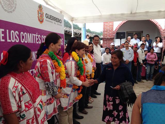 La secretaria de Desarrollo Social visita, en su segundo día de trabajo por Guerrero, los municipios de Metlatónoc, Cochoapa El Grande y Tlapa de Comonfort, en la región de la montaña