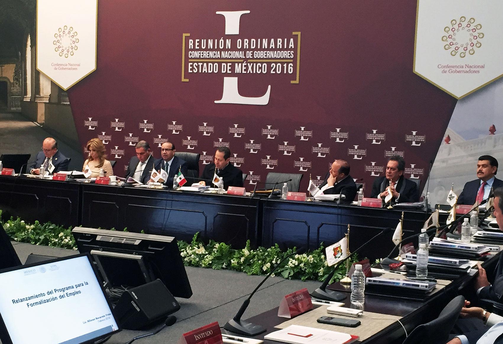 El Secretario del Trabajo y Previsión Social, Alfonso Navarrete Prida, durante su participación en la Conferencia Nacional de Gobernadores.
