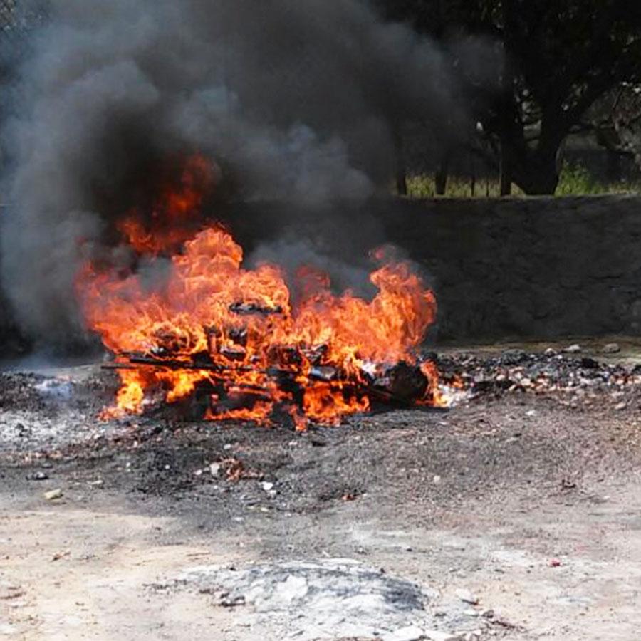 PGR incinera narcóticos y destruye objetos de delito en Quintana Roo.