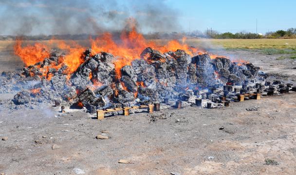 PGR incinera más de ocho toneladas 451 kilos de narcóticos en Tamaulipas