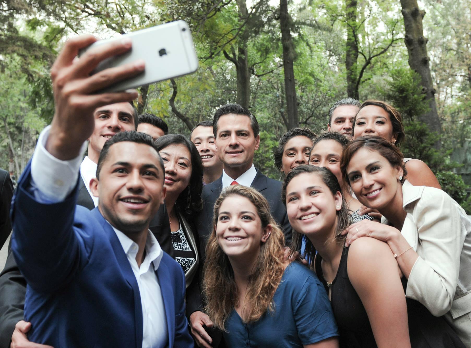 En el grupo, destacó la presencia de Rommel Pacheco, integrante del Estado Mayor Presidencial, así como de Iván García y Germán Sánchez, quienes forman parte del Cuerpo de Guardias Presidenciales.