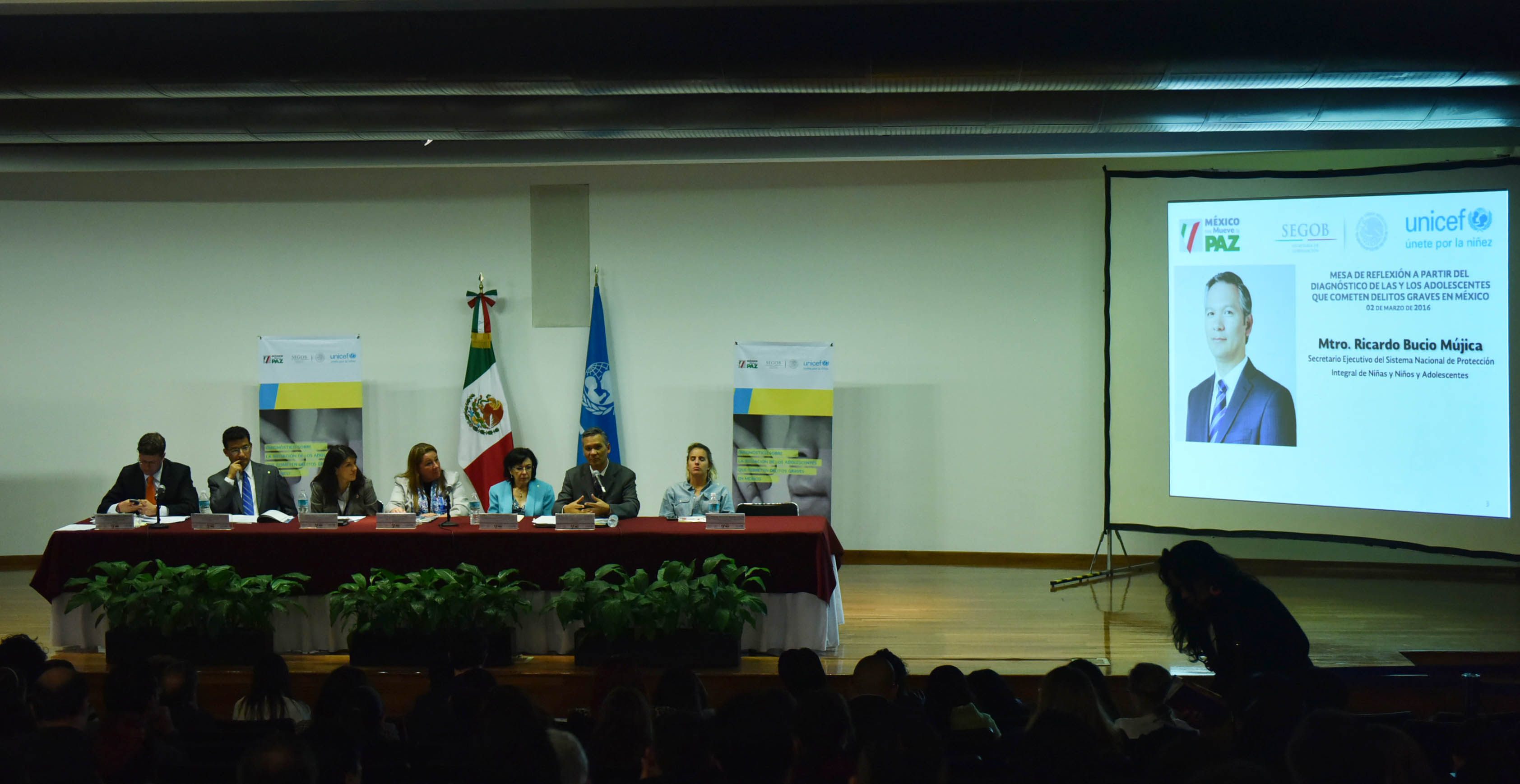 Mesa de reflexión sobre Adolescentes que Cometen Delitos Graves en México