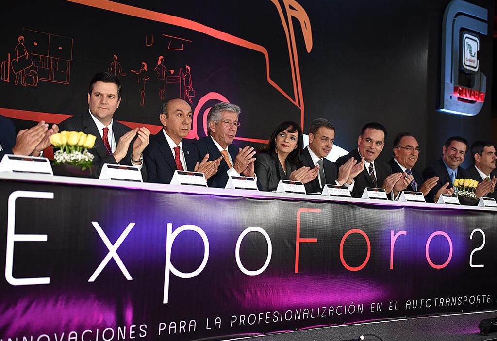 Anuncia Ruiz Esparza Ventanilla Única de Autotransporte Federal
