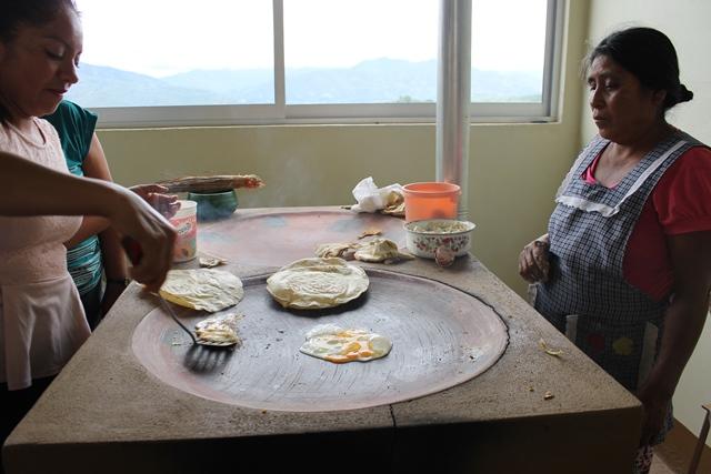 Aportan migrantes oaxaqueños recursos para obras de infraestructura social en sus comunidades