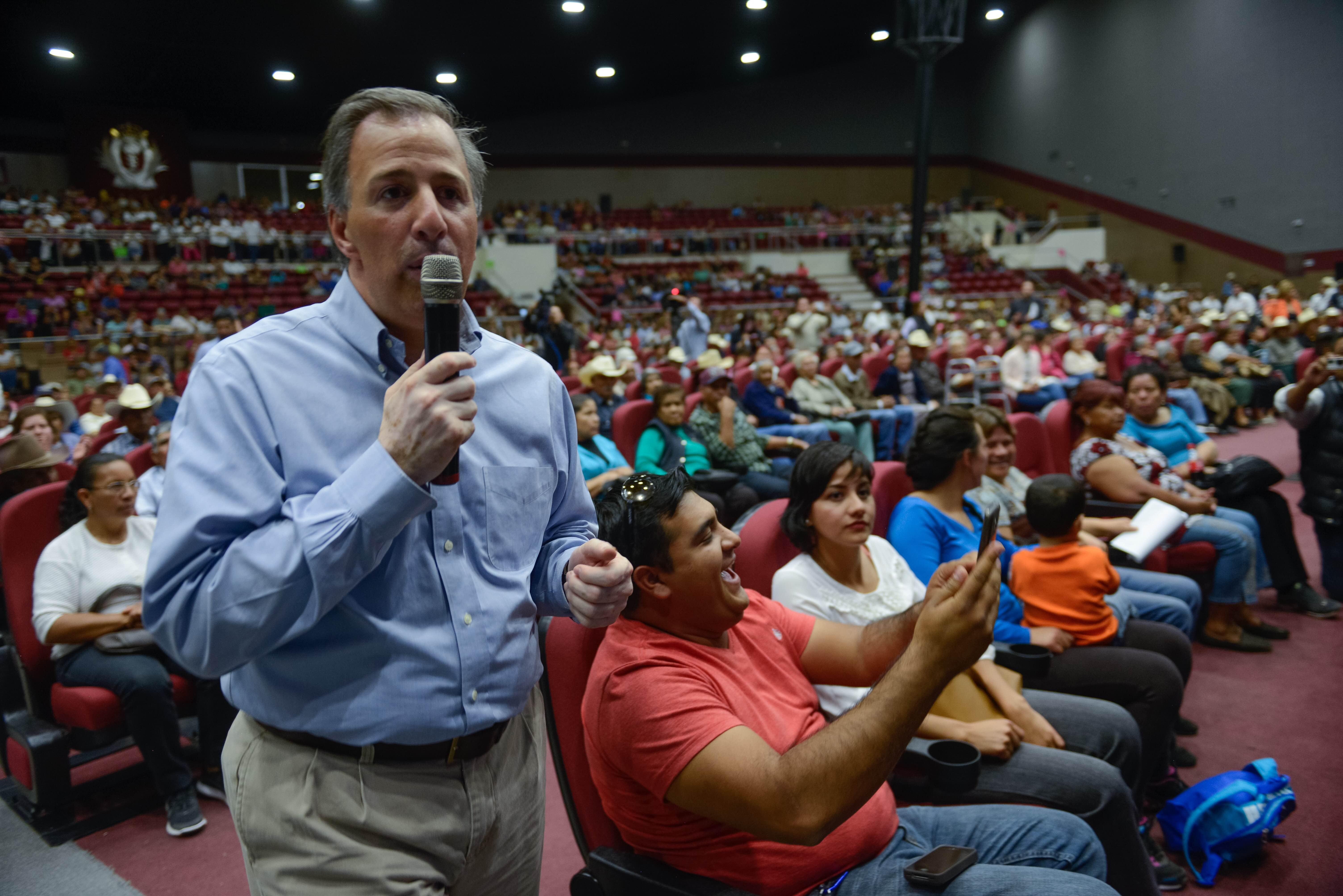 El secretario Meade en su gira de trabajo por el estado de Durango
