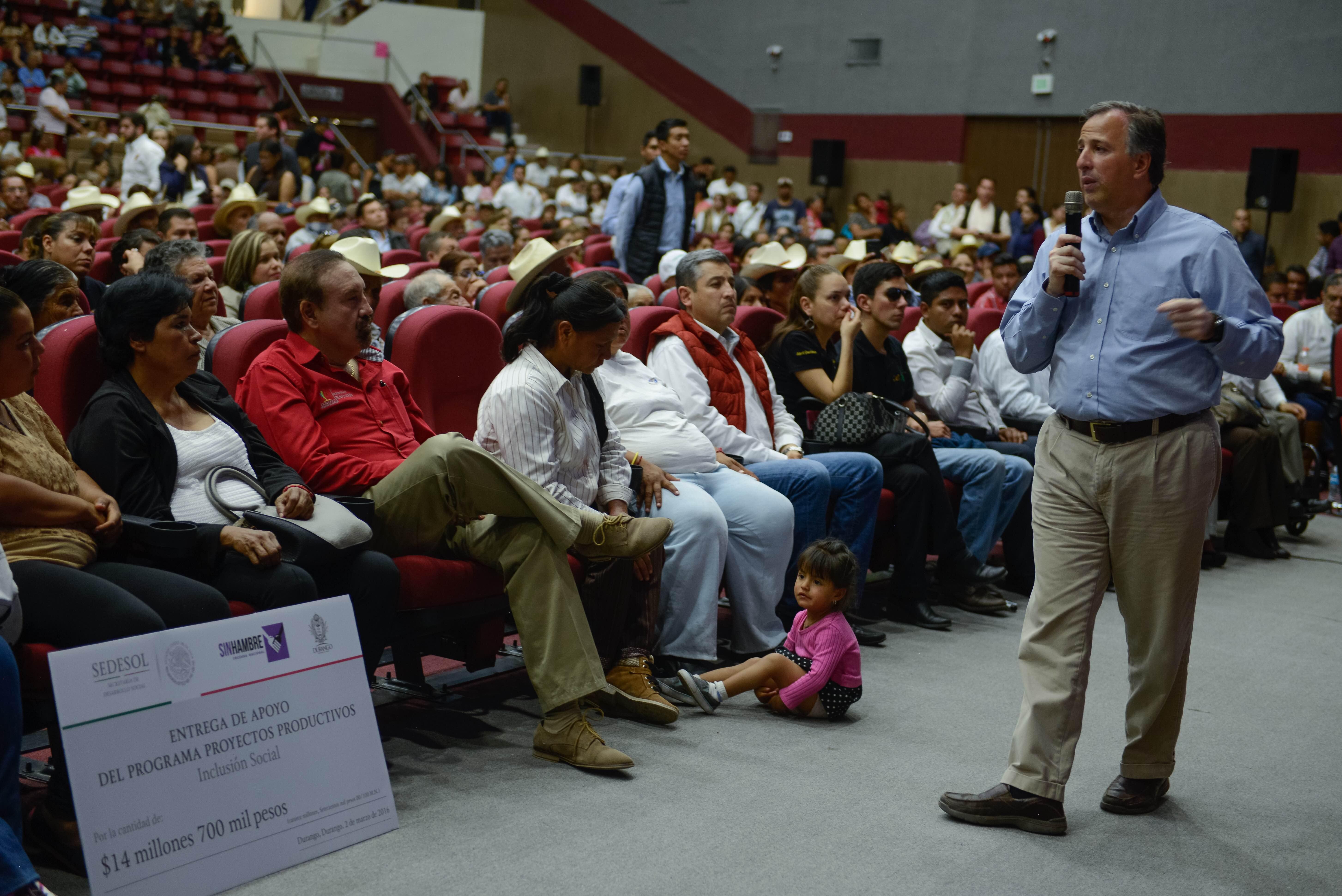 El secretario Meade con el gobernador Jorge Herrera, suscribió el Acuerdo por un Durango sin Pobreza
