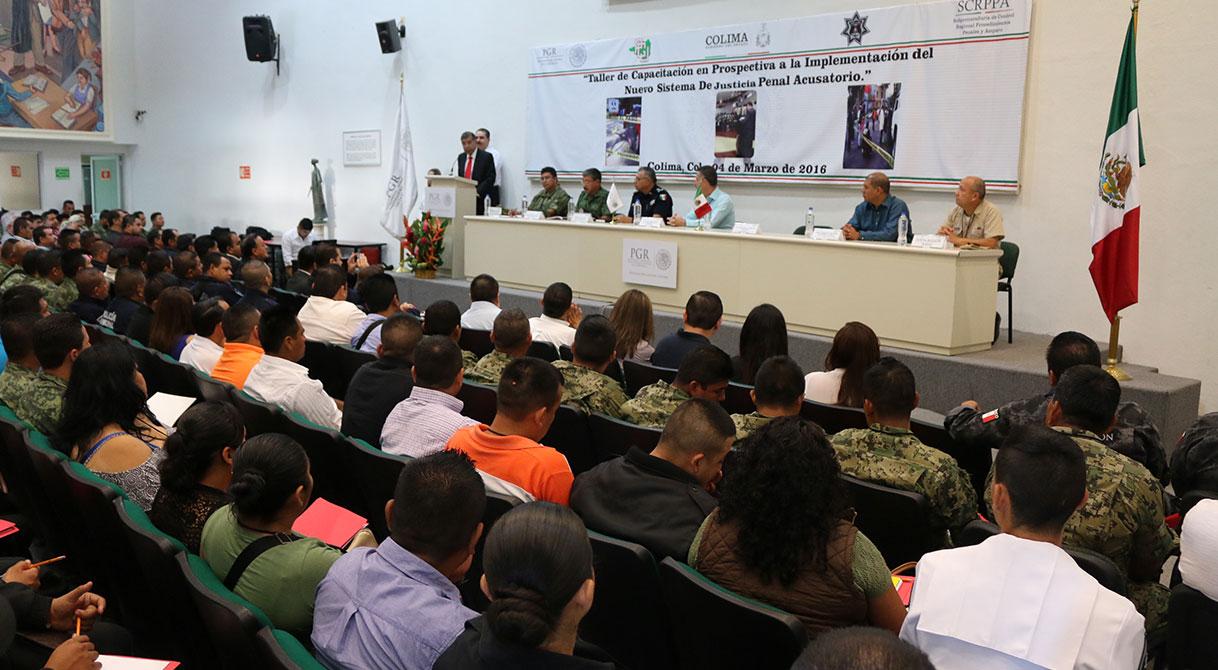 Imparte PGR taller a policías y militares sobre el Nuevo Sistema de Justicia Penal en colima.