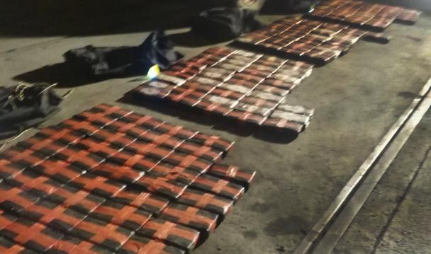 Asegura PGR más de 400 kilos de cocaína en el Puerto de Manzanillo, Colima