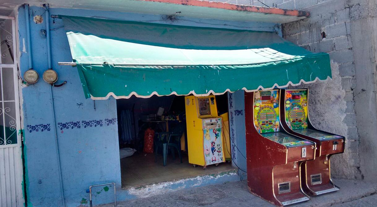PGR asegura 29 máquinas tragamonedas en Guanajuato.