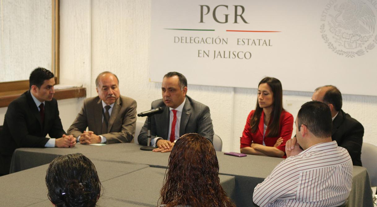 Capacita PGR a funcionarios de la Fiscalía General del Estado de Jalisco sobre el uso de salas de mando ministerial.