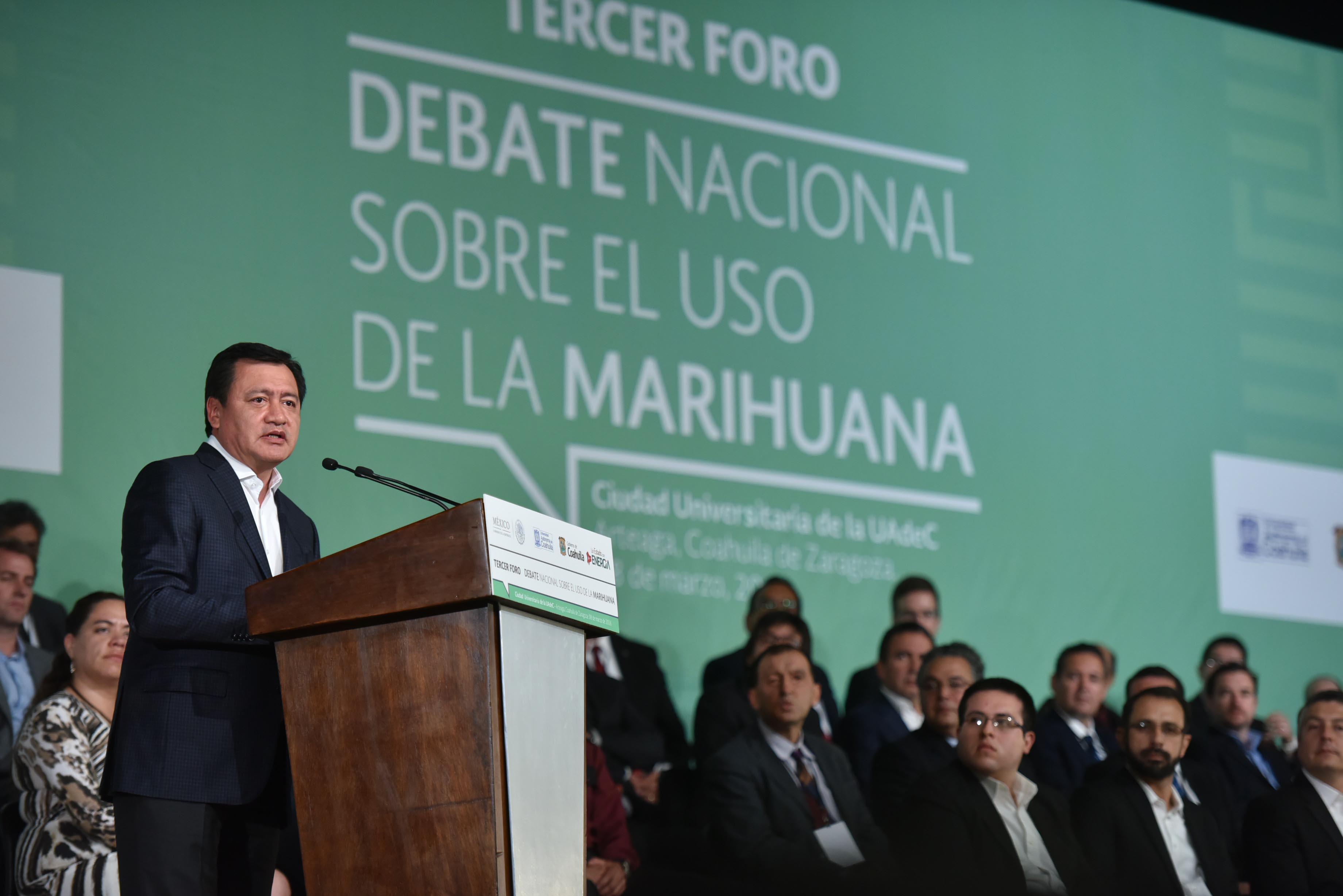 El Secretario de Gobernación, Miguel Ángel Osorio Chong, durante la Clausura el Tercer foro sobre el Uso de la Marihuana realizado en Arteaga, Coahuila