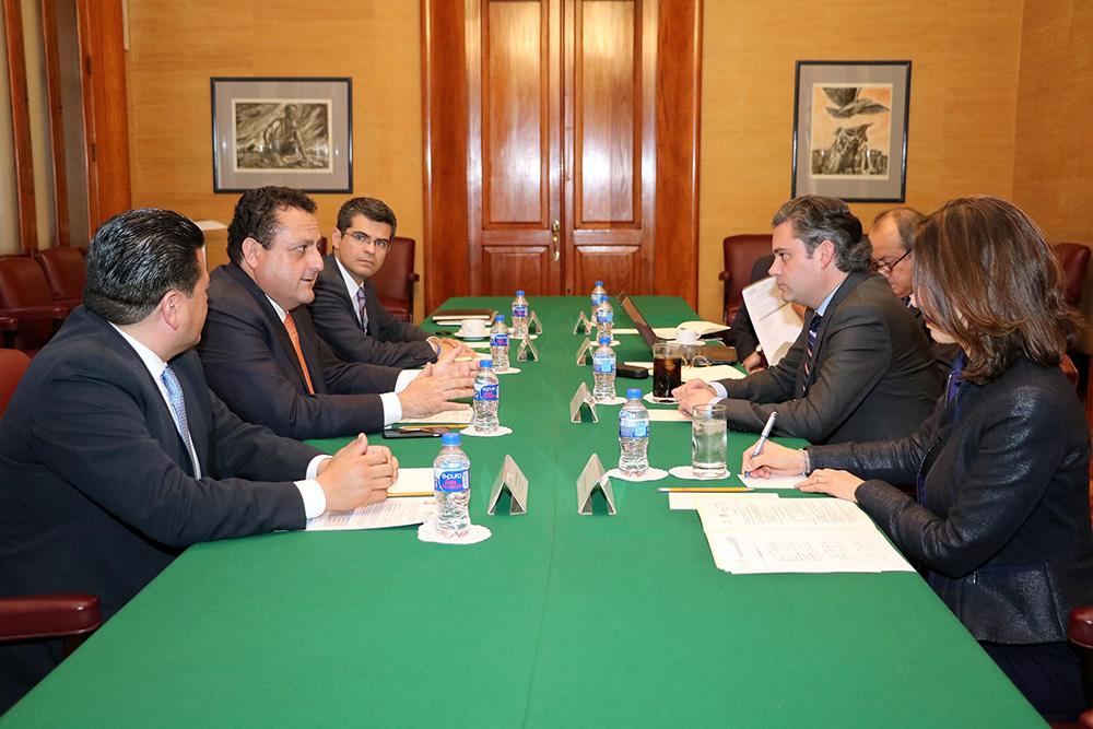 Secretario de Educación Pública y gobernador de Baja California Sur evaluaron avances de la Reforma Educativa en ese estado