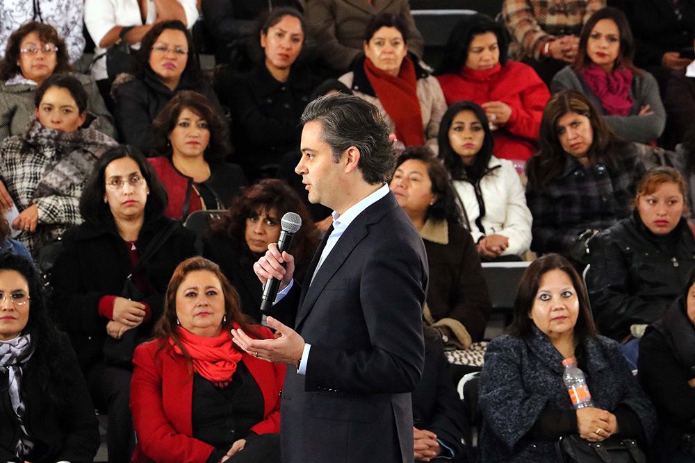 Reconoce secretario de Educación Pública la importancia de la participación de madres de familia en el sistema educativo
