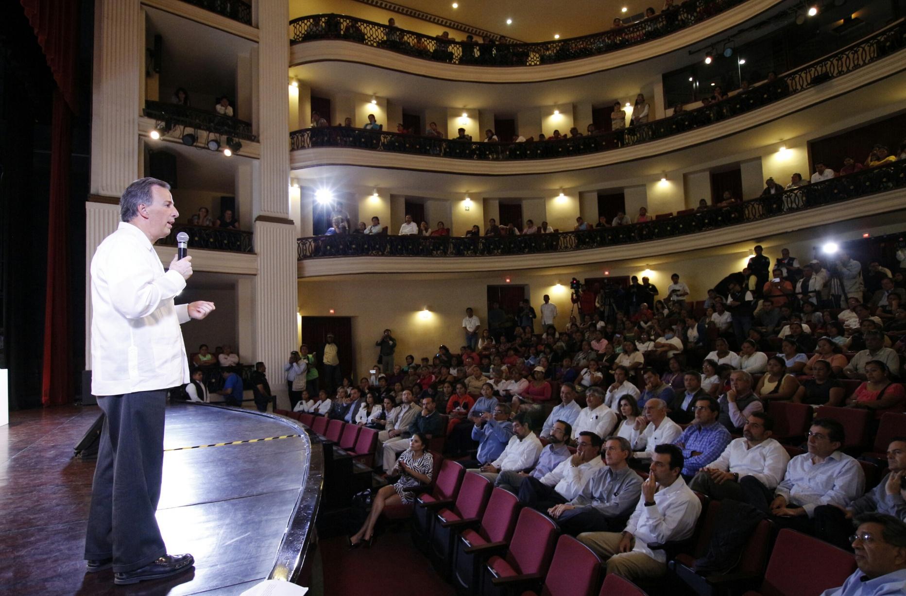 El secretario de Desarrollo Social, José Antonio Meade Kuribreña, dio un mensaje en la firma del Convenio Sedesol-AIEVAC por un México sin Pobreza