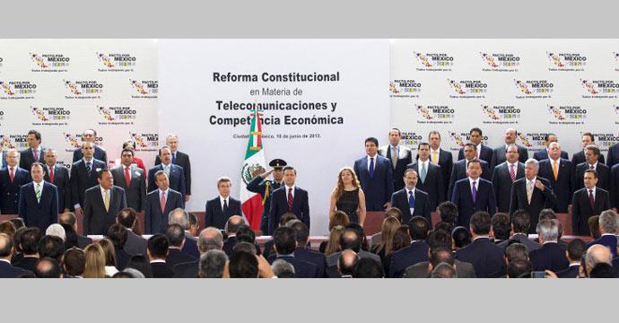 Asiste Ildefonso Guajardo a la firma del acuerdo de la Reforma en Telecomunicaciones