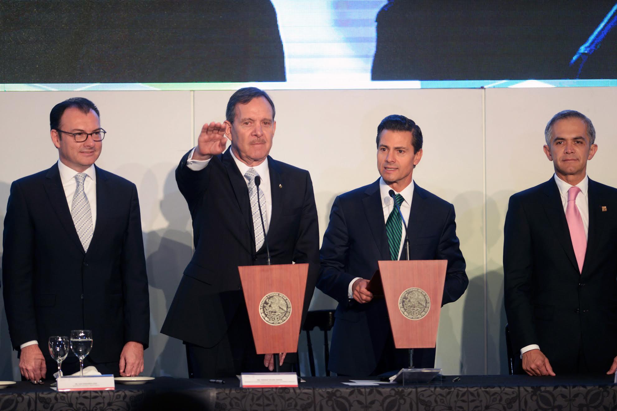 El ingeniero Enrique Solana Sentíes, toma Protesta como director del Comité Ejecutivo y del Consejo Directivo de la CONCANACO-SERVyTUR 2016-2017.
