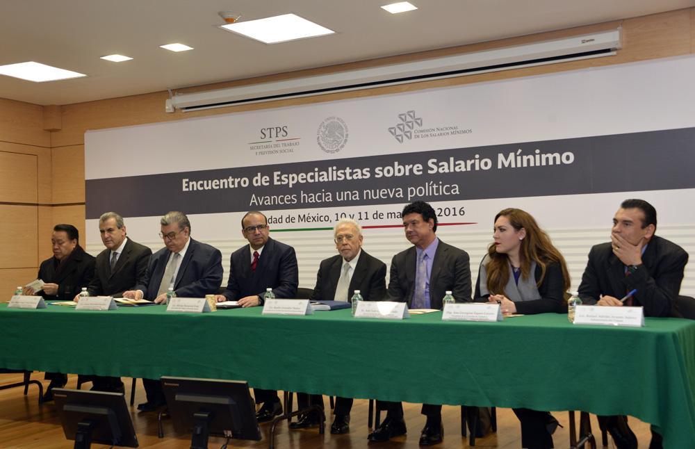 Encuentro de Especialistas sobre Salario Mínimo. Avances hacia una nueva política.