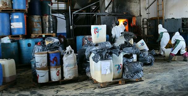 Destruyó PGR seis y media tonelada y más de seis mil litros de precursores y sustancias químicas.