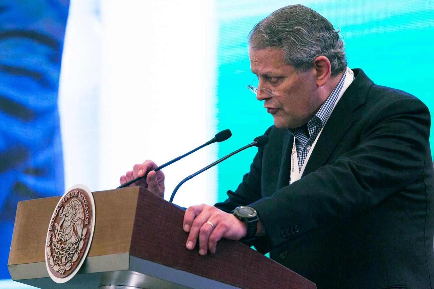 El licenciado Luis Robles Miaja, Presidente de la Asociación de Bancos de México, durante su discurso en la 79ª  Convención Bancaria.