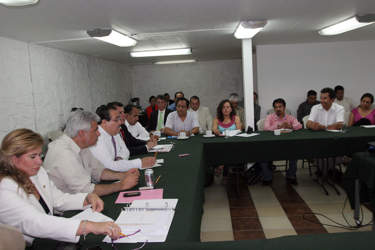 El titular de la SEDATU en reunió con integrantes de la Coordinadora Nacional Plan de Ayala (CNPA)