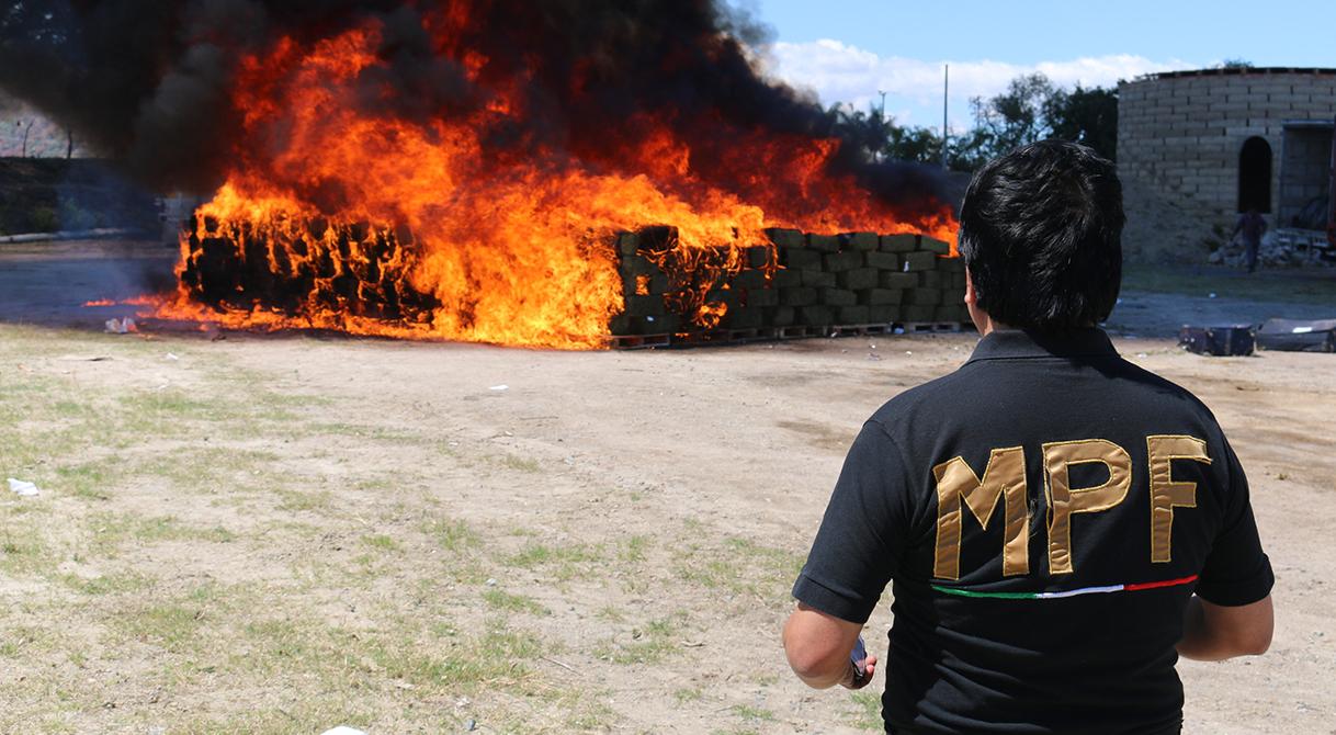 Incinera PGR Jalisco casi ocho toneladas de estupefacientes.