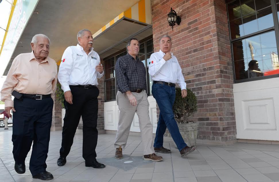 El secretario José Antonio Meade, en compañía del gobernador Egidio Torre Cantú y del presidente municipal, José Elías Leal