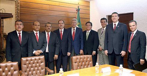 Ruiz Esparza toma protesta a siete Directores Generales de Centros SCT
