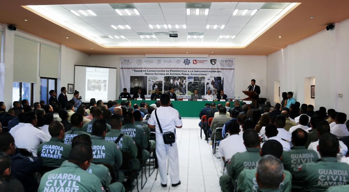 PGR imparte taller del Nuevo Sistema de Justicia Penal Acusatorio a elementos de seguridad en Nayarit