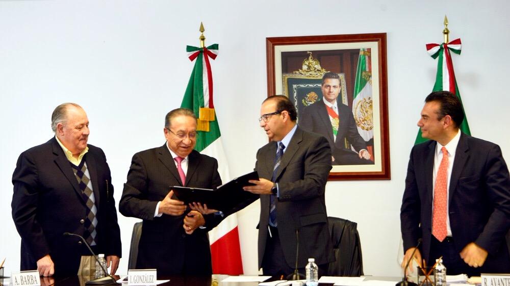 El Secretario del Trabajo y Previsión Social, Alfonso Navarrete Prida, hizo entrega de la Toma de Nota al nuevo Comité Ejecutivo Nacional de la Confederación Revolucionaria de Obreros y Campesinos (CROC).