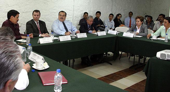 El titular de la Secretaría de Desarrollo Agrario, Territorial y Urbano (SEDATU), Jorge Carlos Ramírez Marín, recibió a integrantes del Movimiento Antorchista, encabezado por Homero Aguirre Enríquez.
