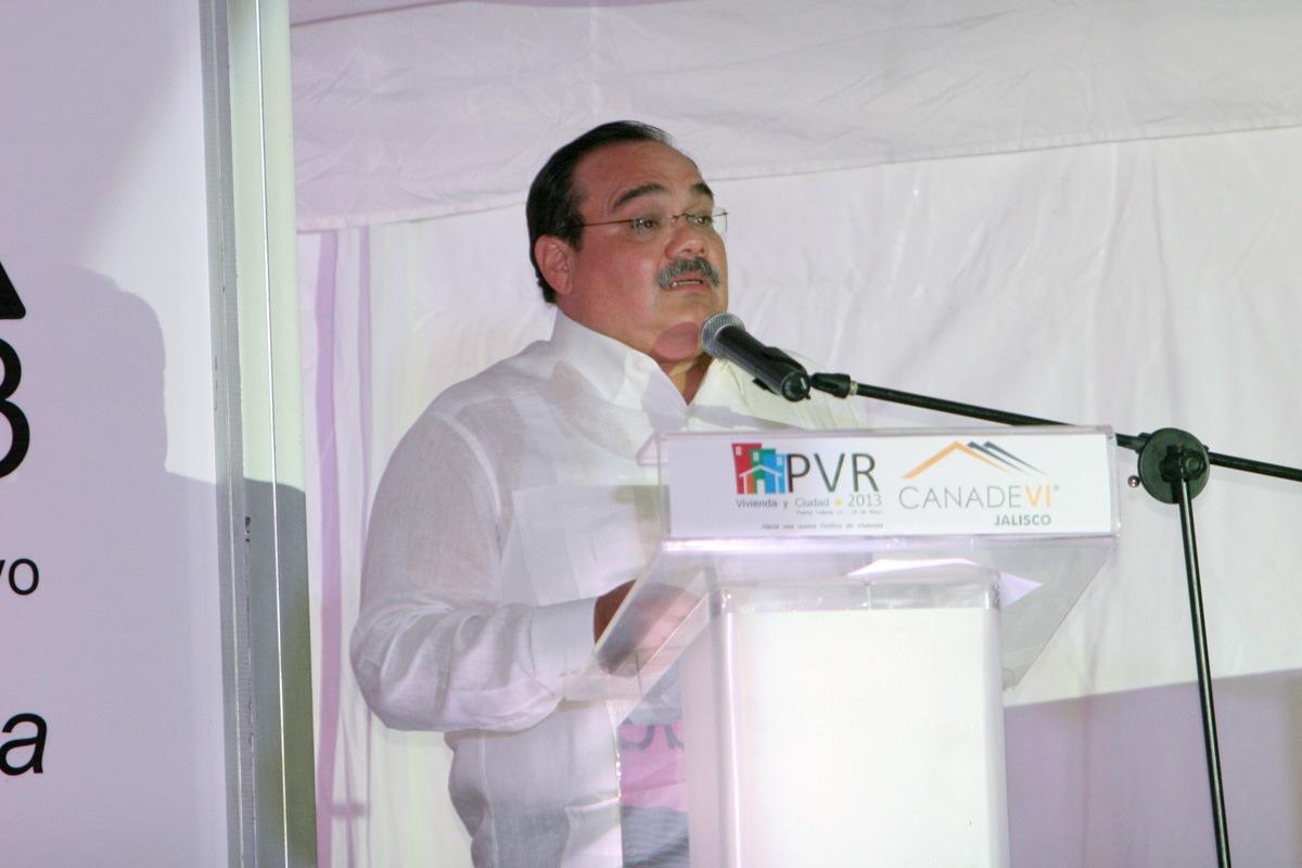 El titular de la Secretaría de Desarrollo Agrario, Territorial y Urbano (SEDATU), Jorge Carlos Ramírez Marín, en la Reunión Anual de la Cámara Nacional de la Industria de Desarrollo y Promoción de Vivienda (CANADEVI) Jalisco 2013.