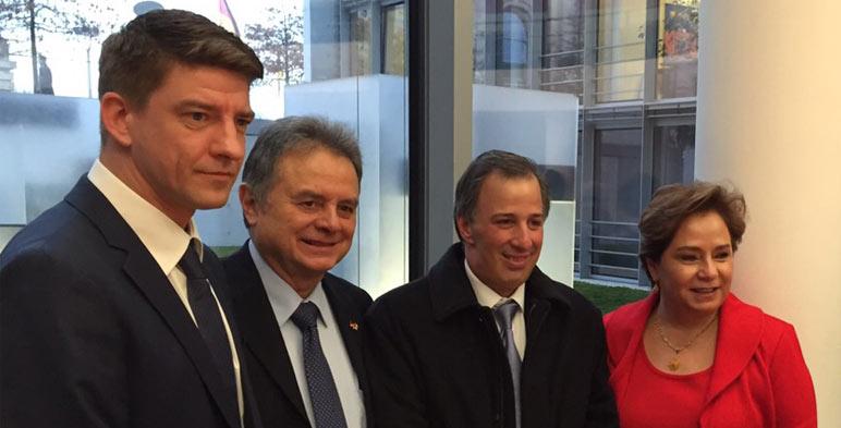 El Secretario de Energía, Licenciado Pedro Joaquín Coldwell, se reunió hoy con miembros del Parlamento alemán