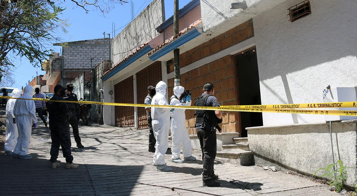 Mediante cateo asegura PGR armas en Yautepec.