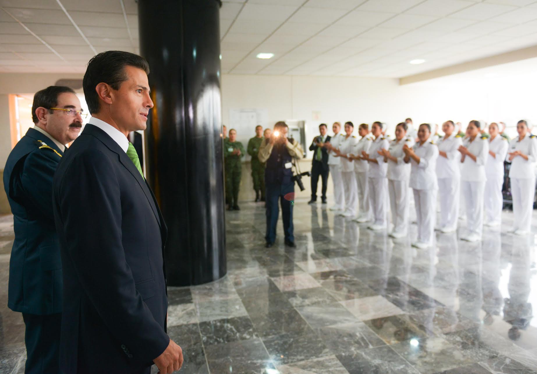 El Primer Mandatario inauguró el Centro de Detección Oportuna de Cáncer de Mama; las áreas de urgencias, Oncología y Oftalmología, y el Centro Militar de Ciencias de la Salud.