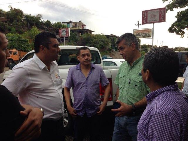 Delegado de Sedesol recorre la zona siniestrada en Guerrero
