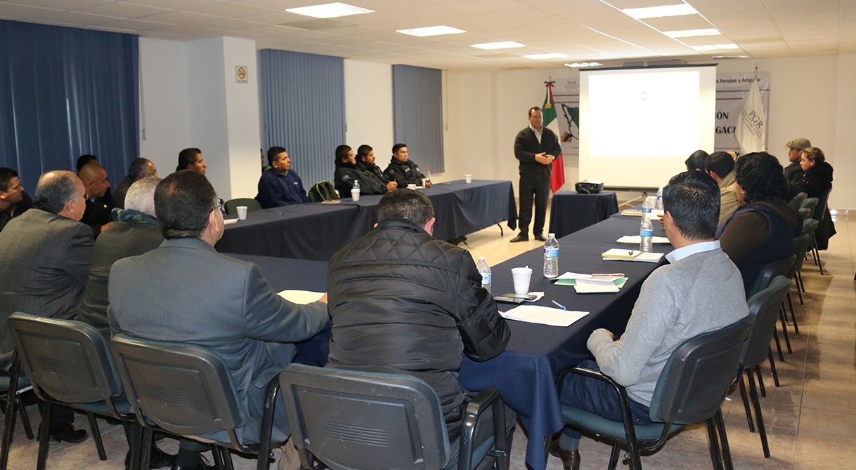 PGR Zacatecas con apoyo de Pemex imparten curso taller sobre materia de hidrocarburos.