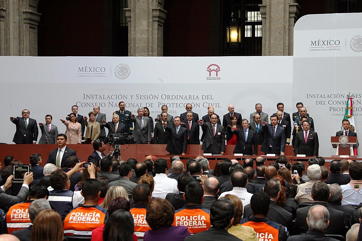 El titular de la SEDATU, Jorge Carlos Ramírez Marín, asistió a la toma de protesta y a la instalación de la primera sesión ordinaria del Consejo Nacional de Protección Civil, encabezada por el  Presidente Enrique Peña Nieto.