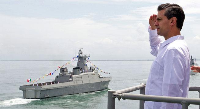 Presidente Enrique Peña Nieto encabezó en Puerto Chiapas la ceremonia conmemorativa del Día de la Marina Nacional.