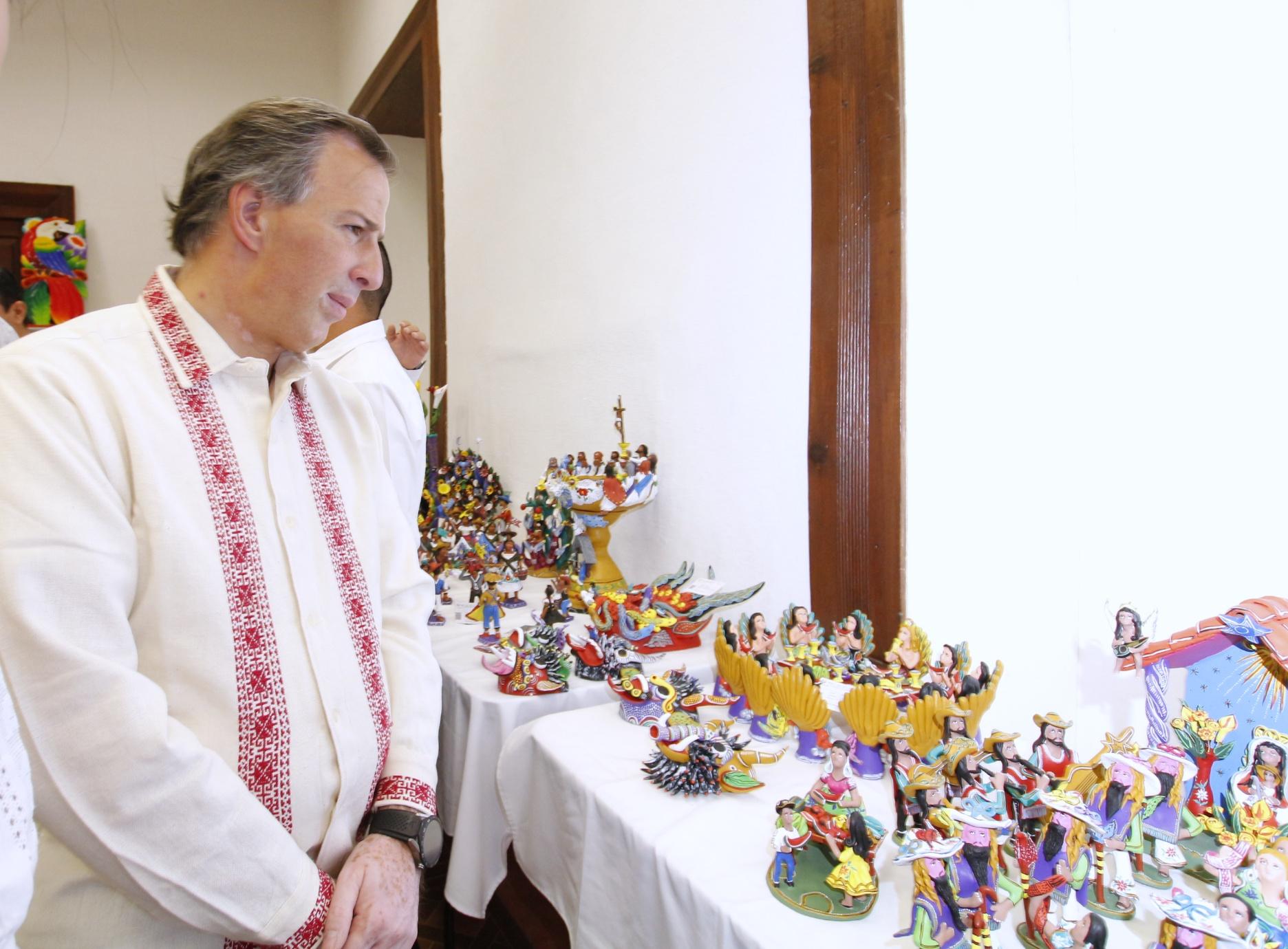 El secretario Meade asistió al Concurso Estatal de Artesanías de Domingo de Ramos