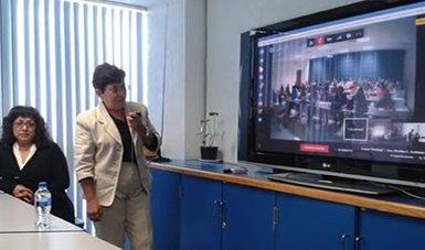 La doctora Martha Arellano  González,  de la Dirección General de Arbitraje de esta Comisión impartió el curso.