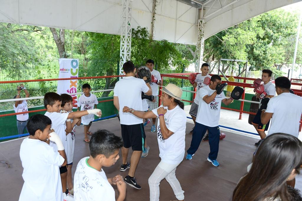 Jóvenes partícipes de la Segunda Semana de Boxeando por un México Seguro.