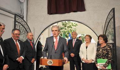 México también agradece que muchos exiliados se integraran como maestros y enriquecieran nuestra cultura: Tovar y de Teresa.