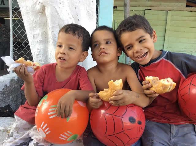 Es  una gran satisfacción ver que las niñas, los niños y los adultos mayores están más felices porque pueden comer bien